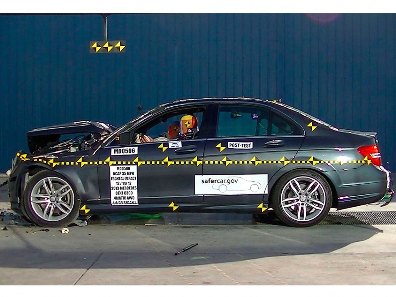 AutoWeb_Crash-Test-NCAP-Frontal-Impact-Mercedes-C-Class