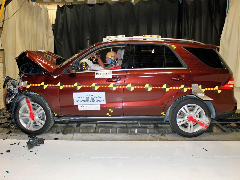 AutoWeb_Crash-Test-NCAP-Frontal-Impact-Mercedes-M-Class