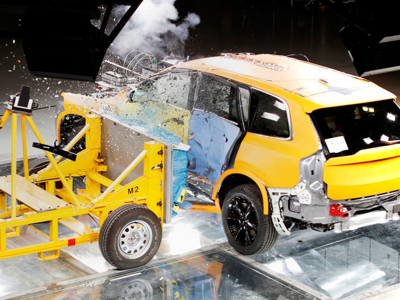 AutoWeb_Crash-Test-Volvo-XC90-Side-Impact-Crash-Test-Volvo-Safety-Centre